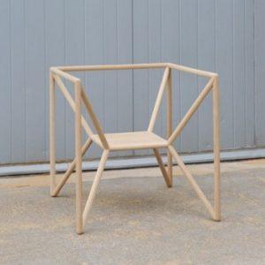 silla minimalista de madera